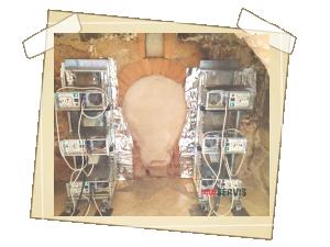 Mikrovlnná likvidace plodnic a rhizomorf v okolí historické pece